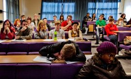 University students with morning lectures tend to have lower grades
